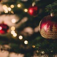 How to Photograph Christmas Lights